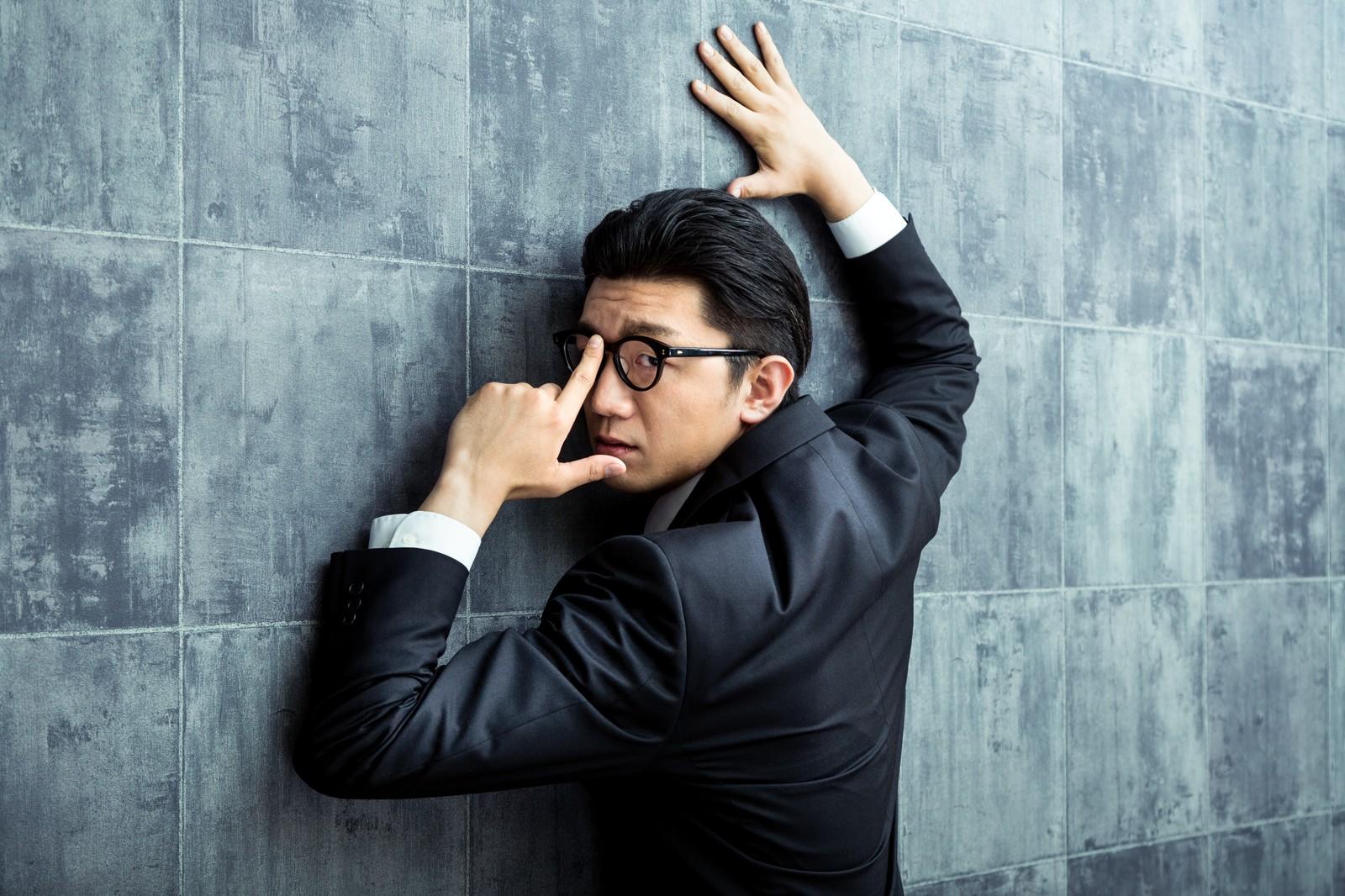 国税調査官が税務調査先から10万円借金