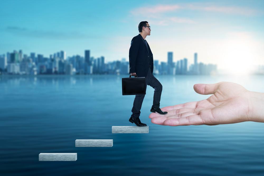 人材投資に法人減税、来年度の税制改正で検討