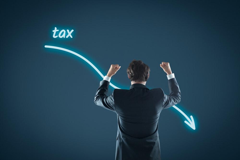 大企業3%超、中小企業1.5%超の賃上げで法人減税