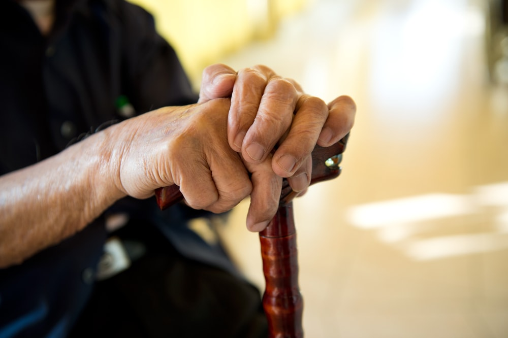 65歳以上の介護保険料 月額6000円超65%