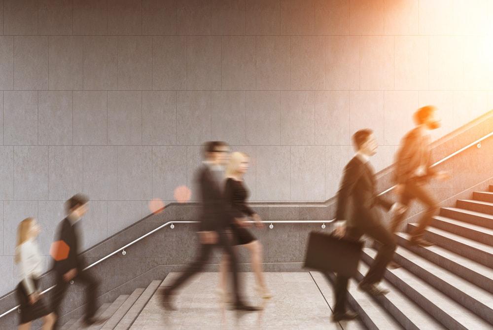 副業・兼業を行う人、過去最高の744万人
