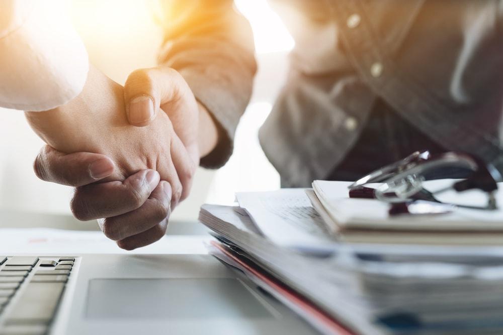 オリックス、事業承継支援で中小企業を買収