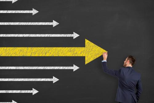雇用調整助成金の特例措置、現行のまま年末まで延長へ