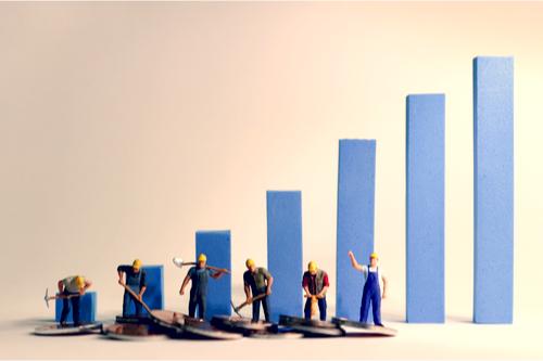 最低賃金 全国平均で過去最大28円の引き上げ 平均時給930円
